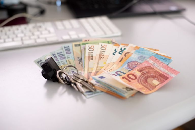 Deposits & Guarantees